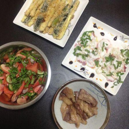 Tako carpaccio with pork, salad and zucchini fries