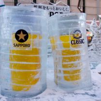 Ice sculpture homage to beer